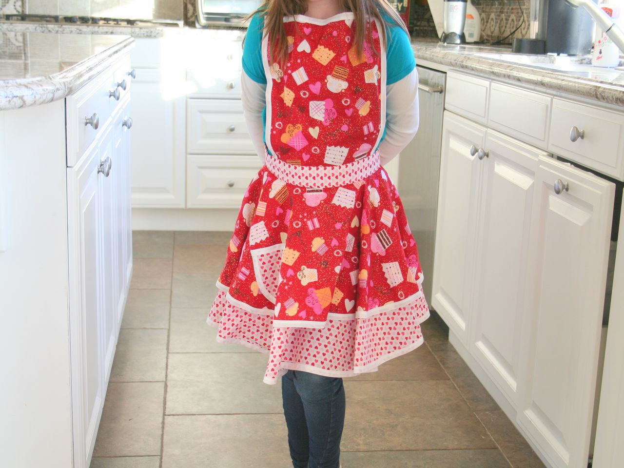 Enter to win a Cupcake Apron and $50 #LOVEHOP
