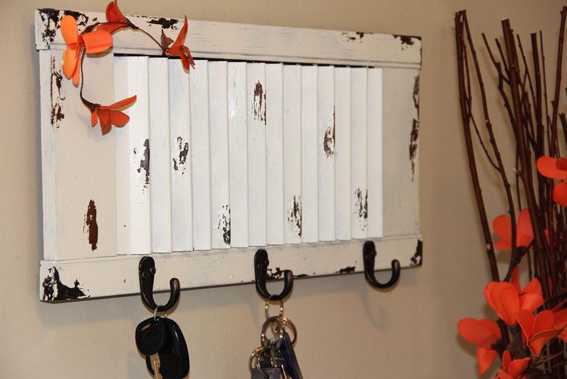 DIY Upcycled Window Shutter Key Rack