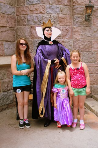 Disneyland's All New Fantasy Faire! Little Princesses Must See This!