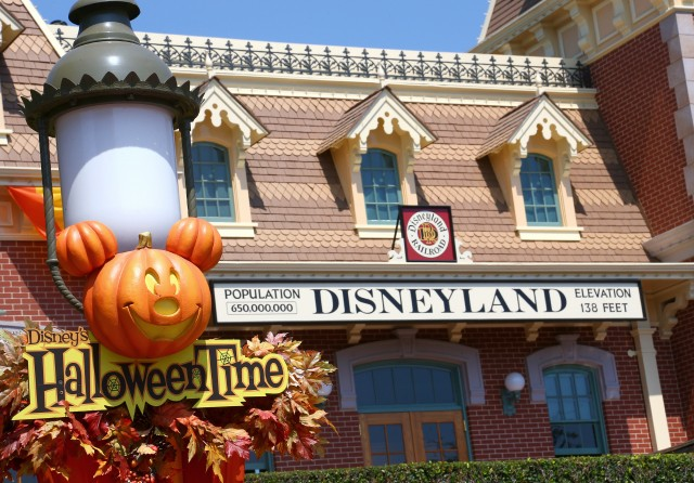 Halloween Time at Disneyland! Bring on the Pumpkins…