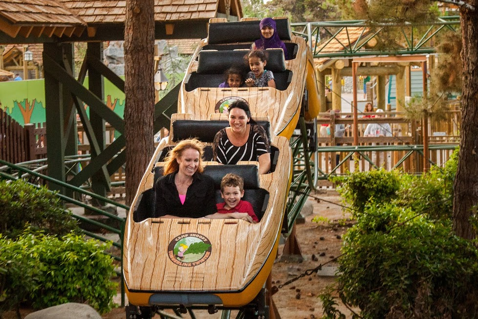 knotts Camp Snoopy Timberline Twister