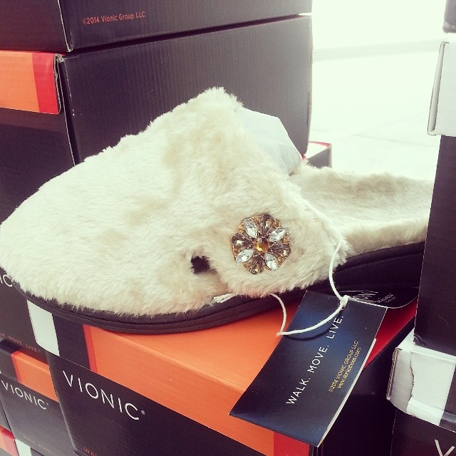 Love my new comfy slippers. Can't wait for the cool weather! @vionicshoes
