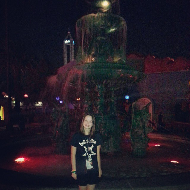 Cool gargoyle fountain... perfect for photos! #scaryfarm @knotts