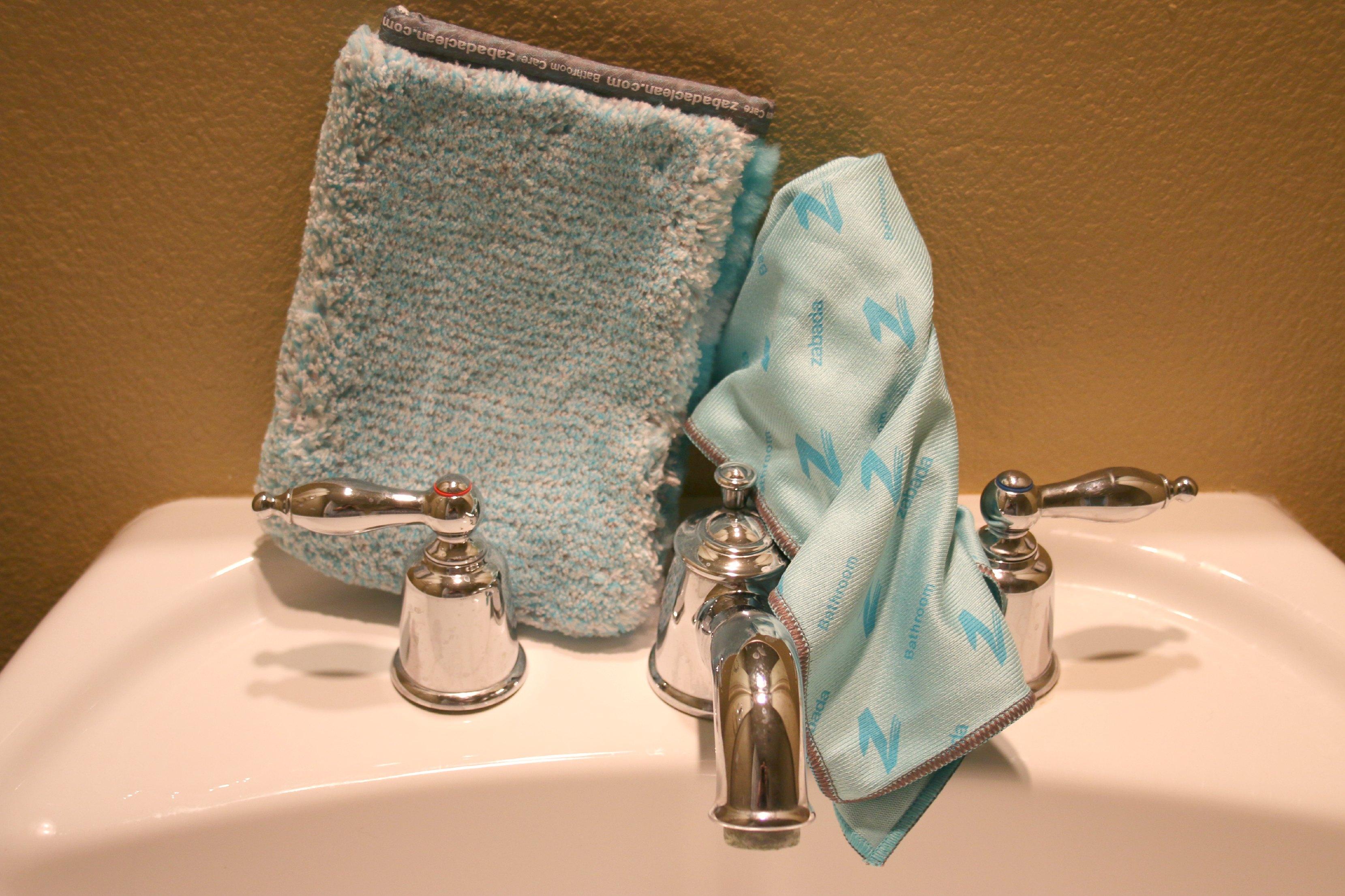 chemical free bathroom cleaners