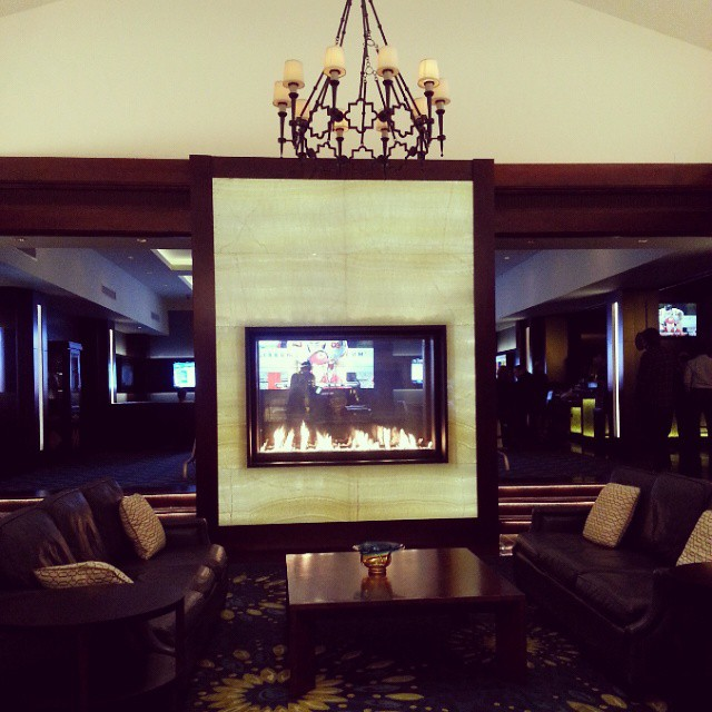 I am in love with this fireplace!  #OmniCarlsbad #TMSCarlsbad