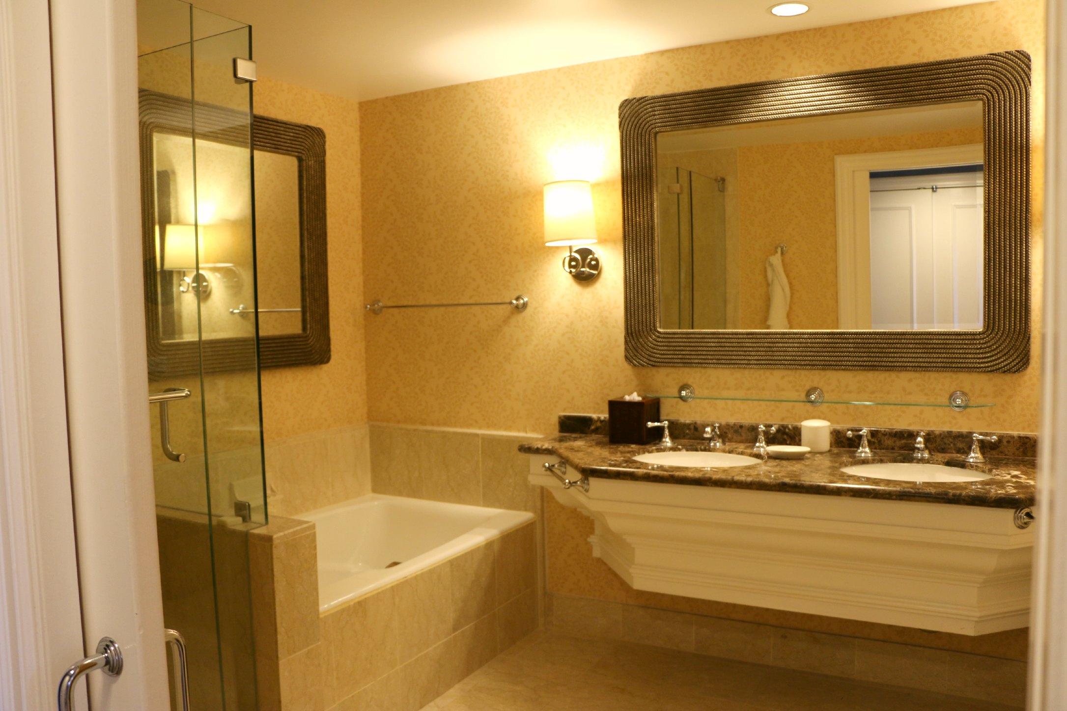 aviara bathromm