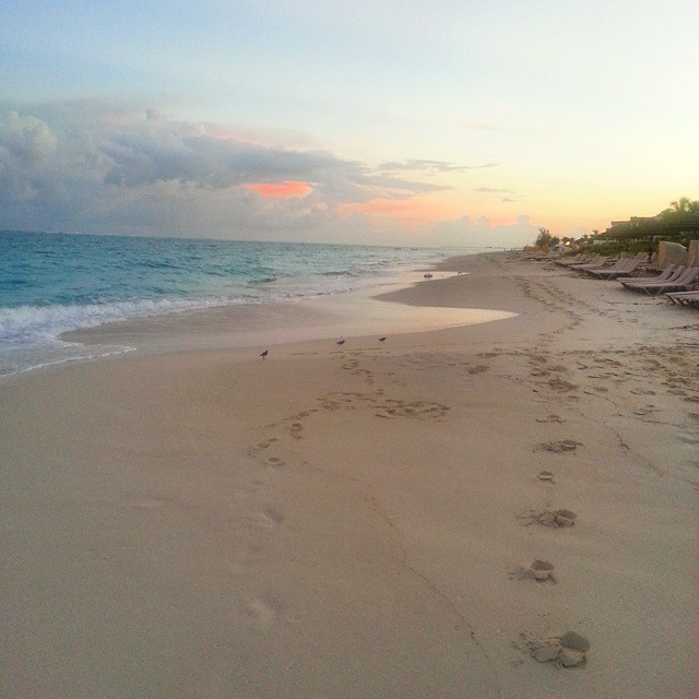 Sunrise on Turks & Caicos!  Bright and crisp with a touch of warmth. Heaven on earth... can't wait to go back. ♡♡♡ #travel #traveling  #vacation #visiting #instatravel  #instagood #trip #holiday #photooftheday #travelling #tourism #tourist #instapassport #instatraveling #mytravelgram #travelgram #travelingram #igtravel #sunrise #sun #beautiful #sky #clouds #horizon #gorgeous #warm #view #night #morning  #instasky