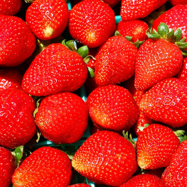 It doesn't get much better than this does it? I love strawberry season. You too? ♡♡♡♡♡