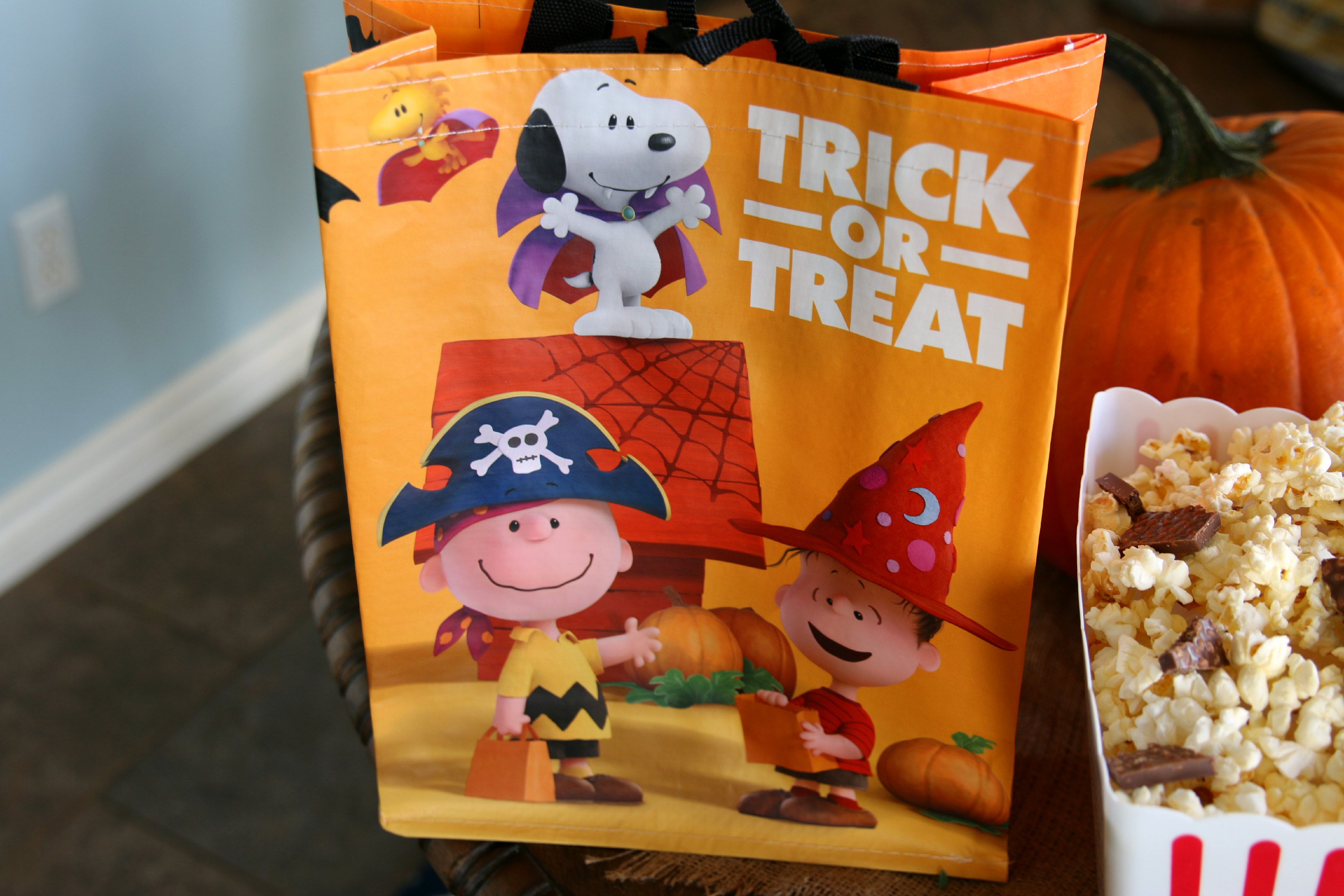 charlie brown trick or treating bag