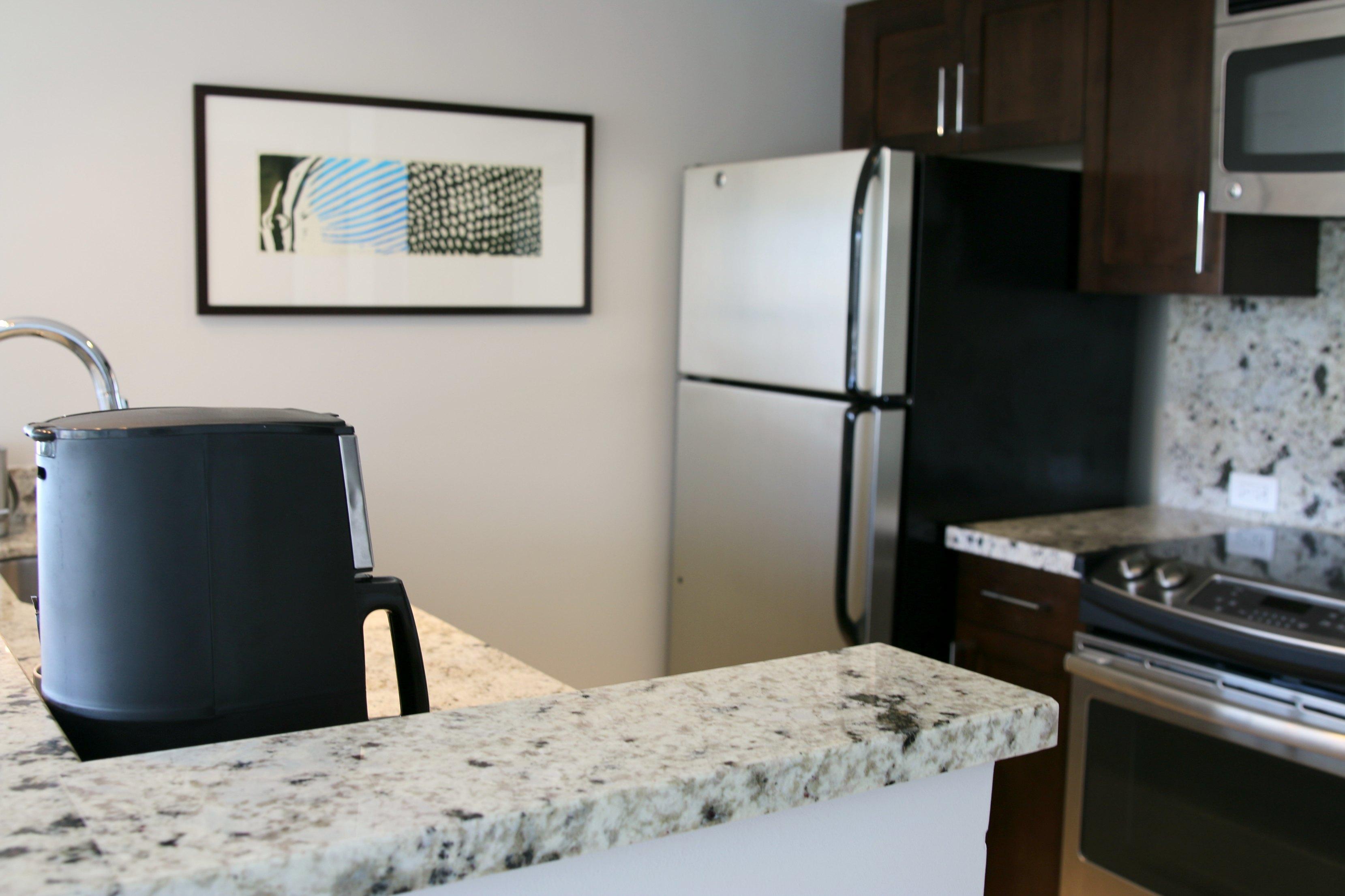 Ilikai Hotel & Luxury Suites kitchen