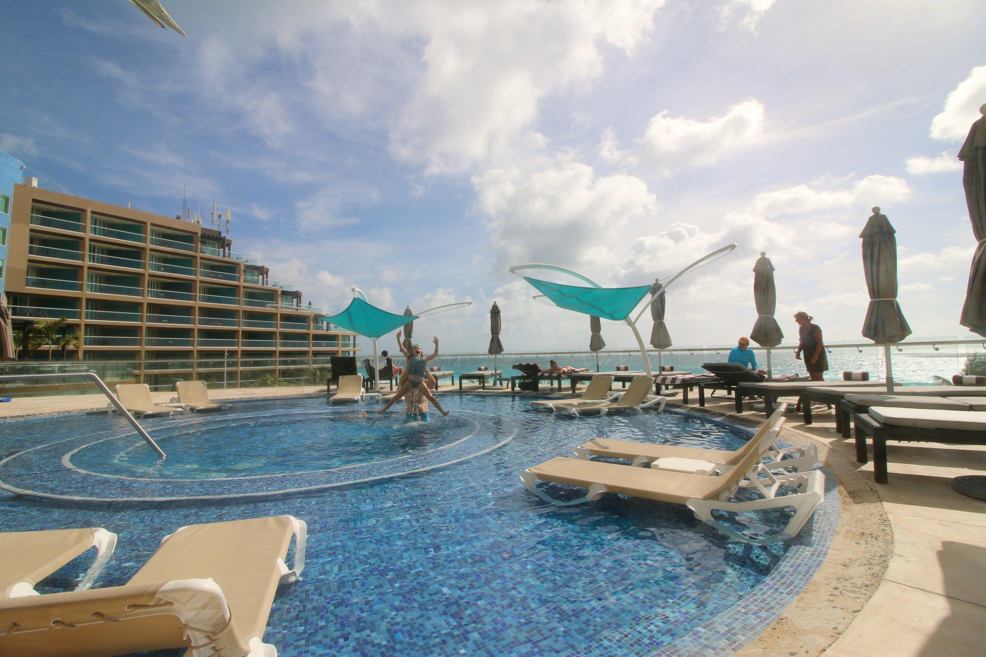 hard-rock-cancun-pool