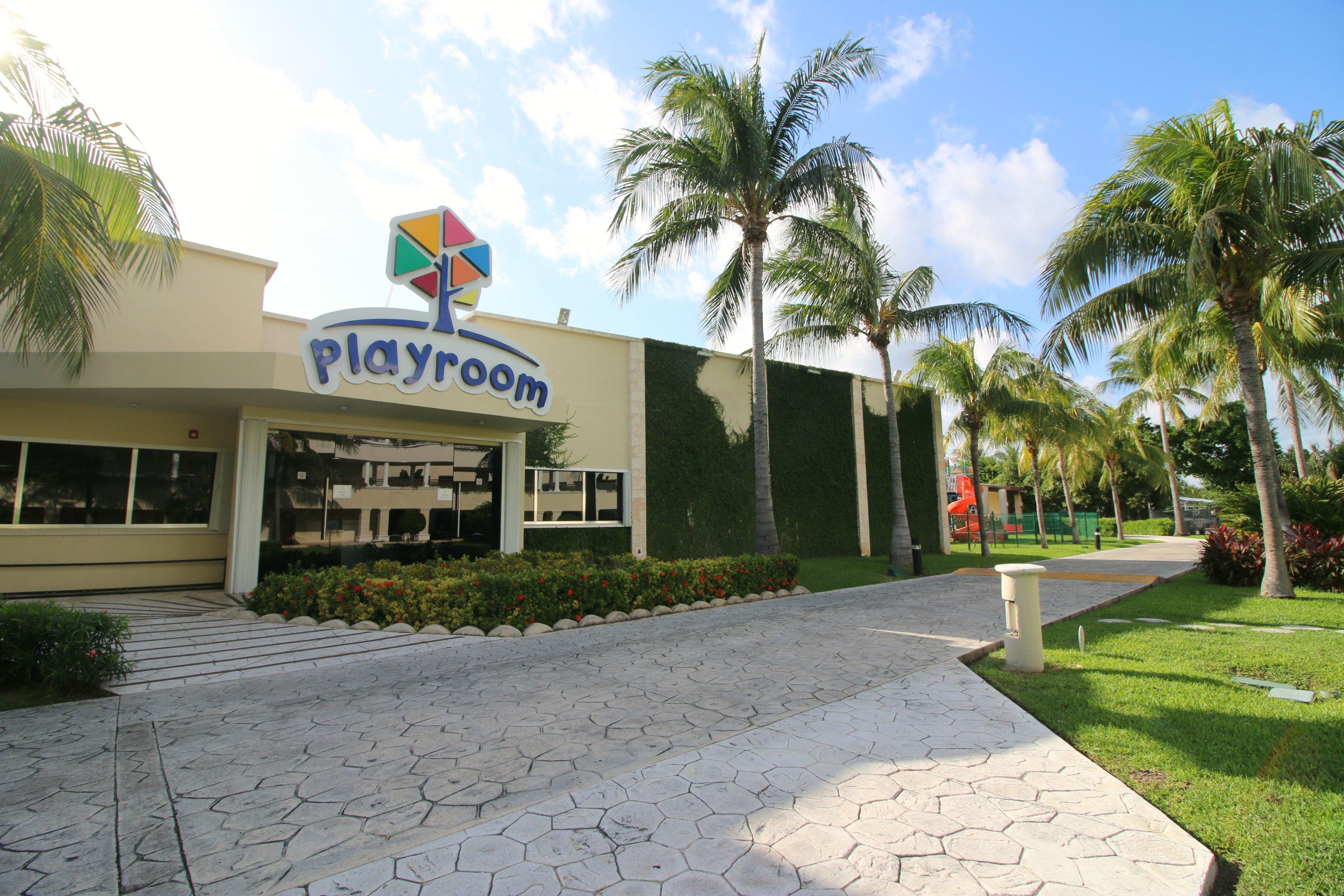 moon-palace-cancun-playroom-kids-club