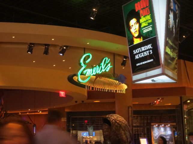 Review emeril s new orleans fish house las vegas family for New orleans fish house