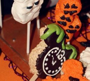 disneyland resorts halloween food