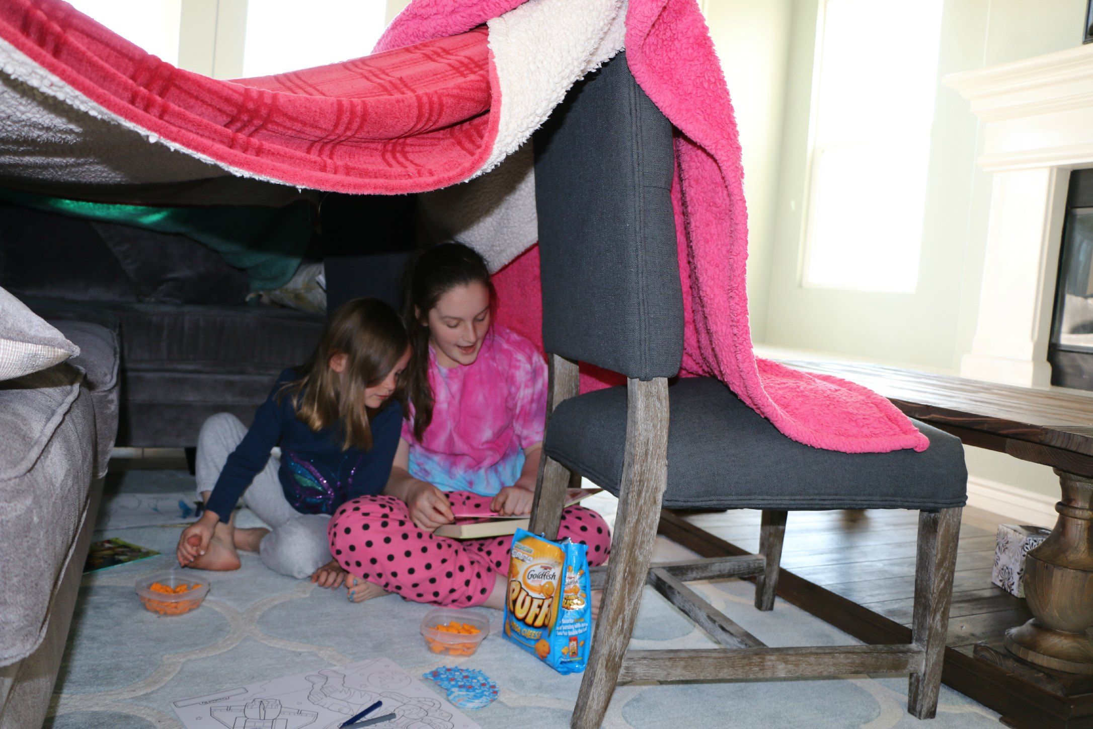 Build A Blanket Blanket Fort Essentials Its A Lovely Life With The Reese Family