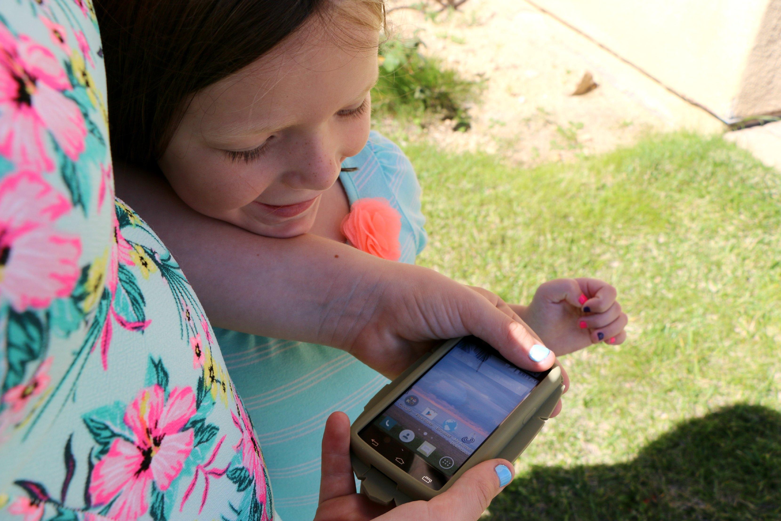prepaid tween phone