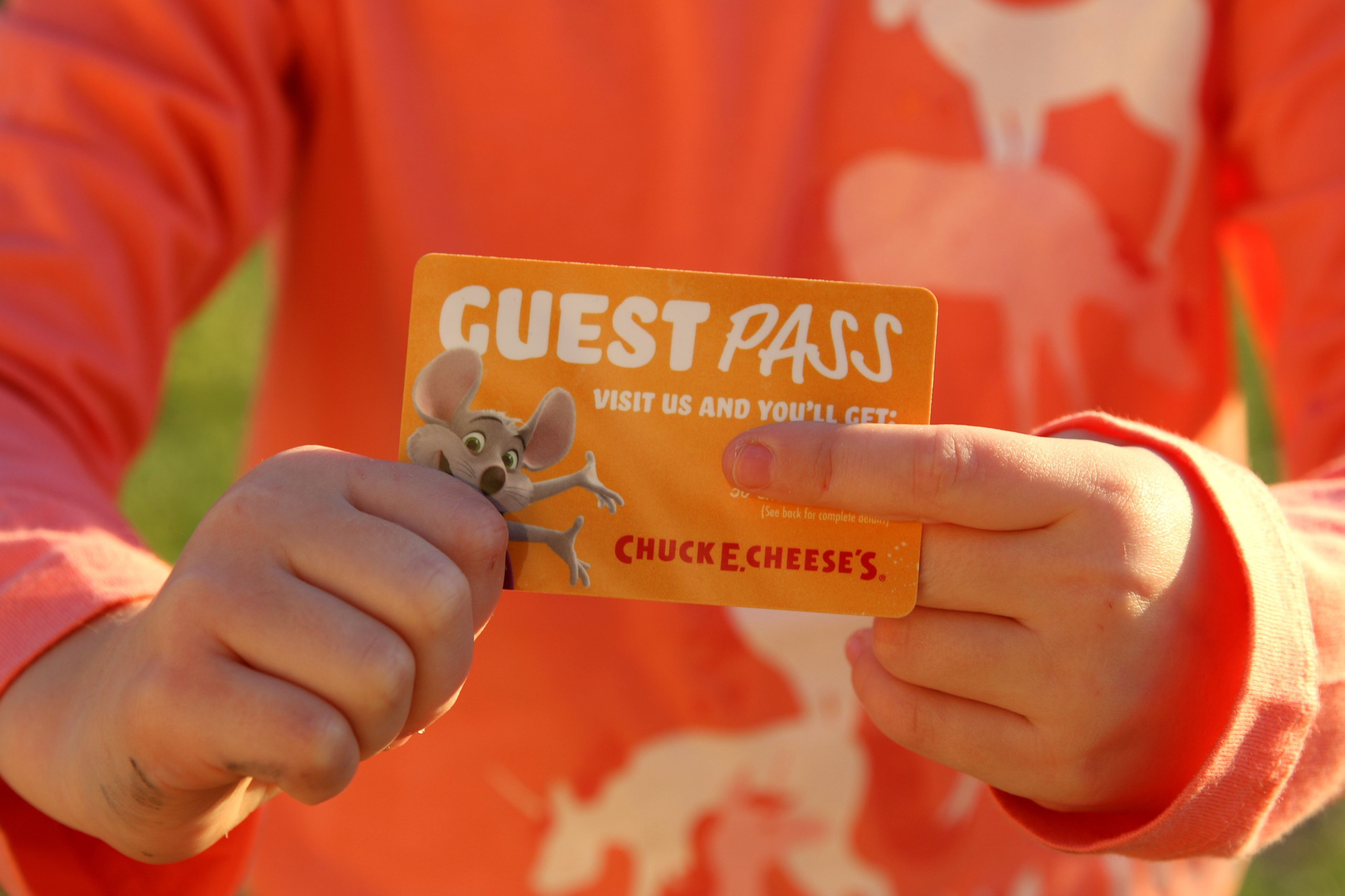 chuck e cheese birthday party