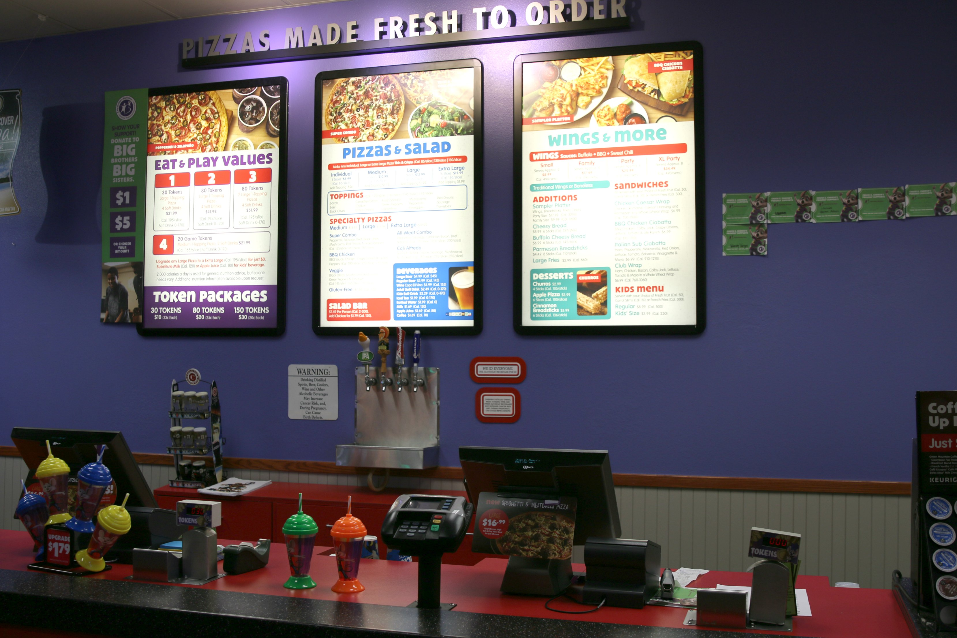 pizza deal at chuck e cheese