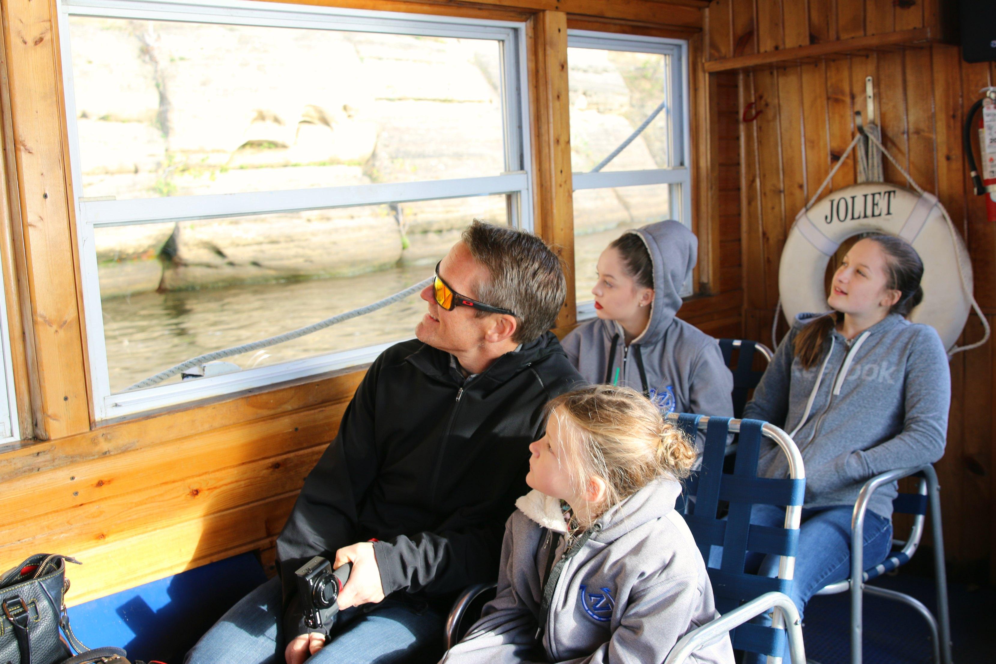 indoor-boat-ride