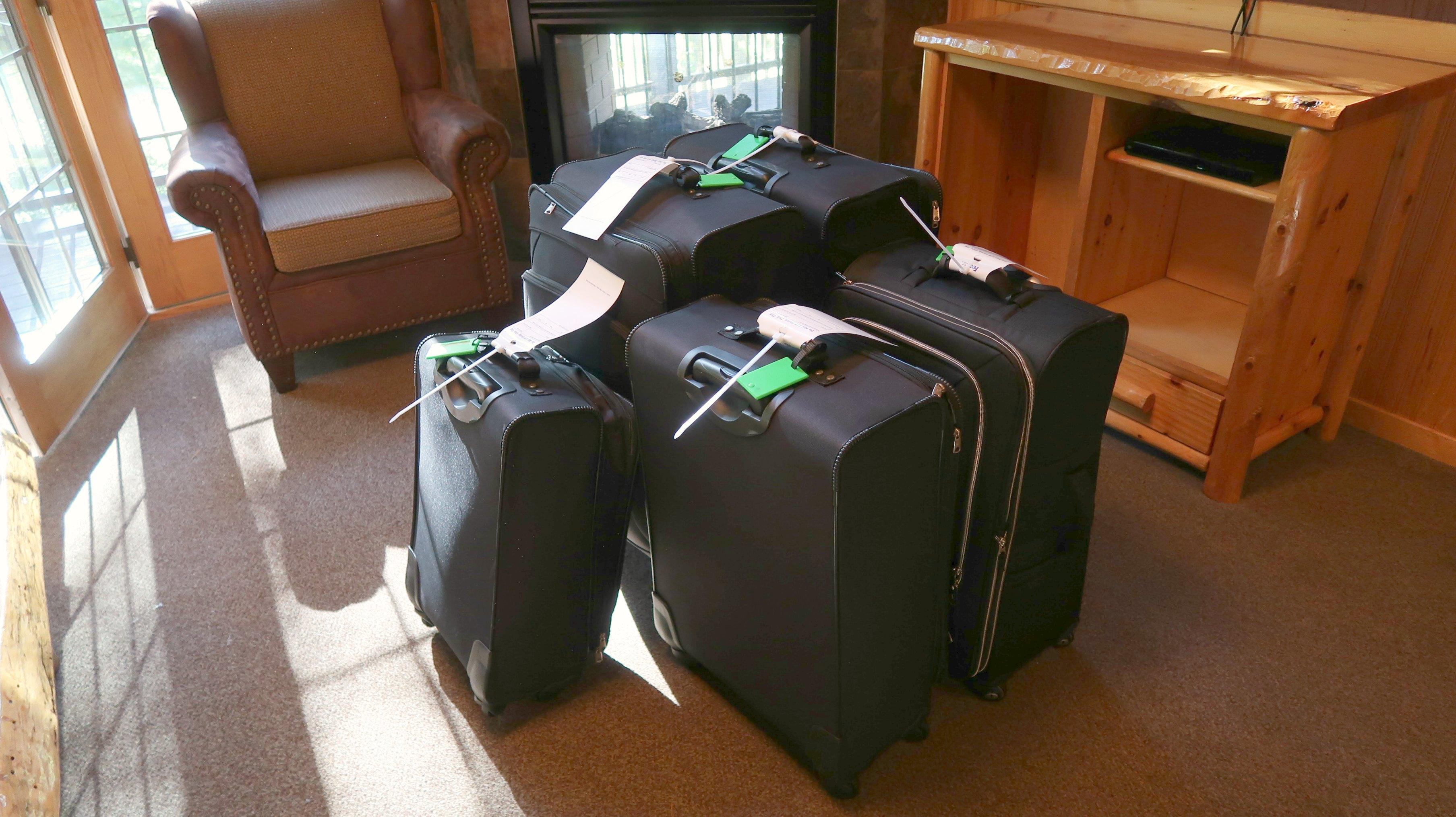 luggage-free
