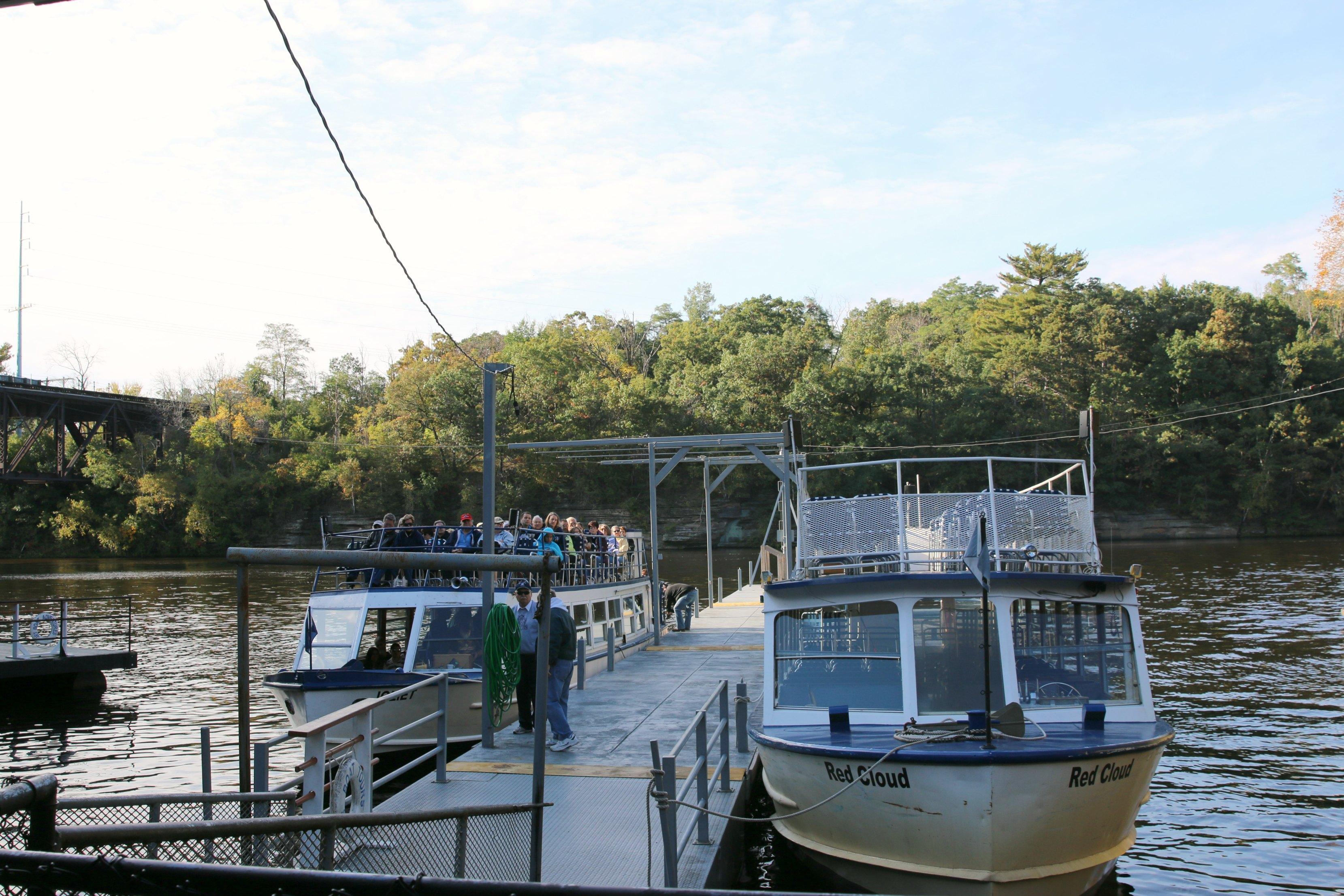 upper-dells-boat-tour