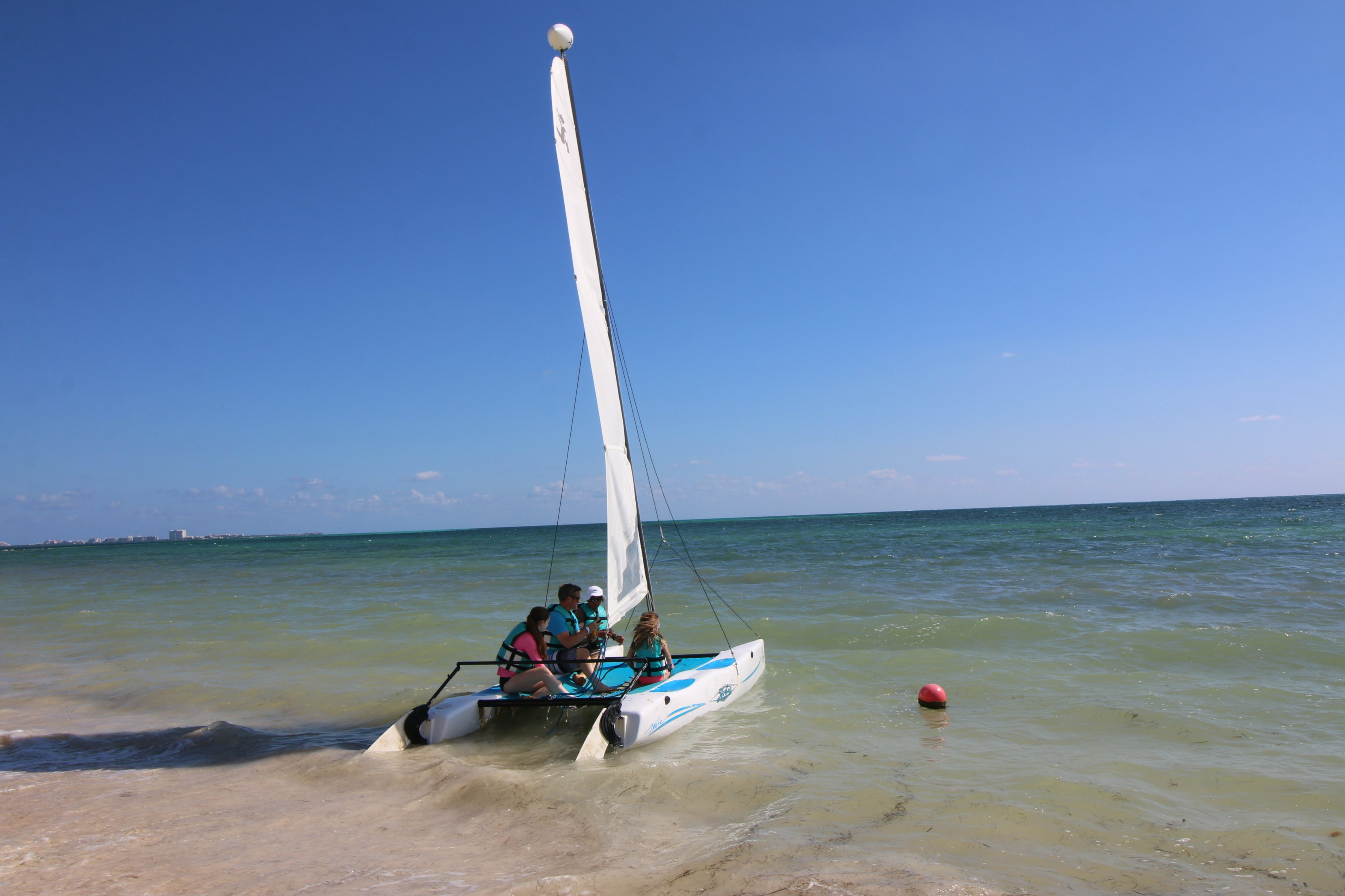 moon-palace-cancun-boating