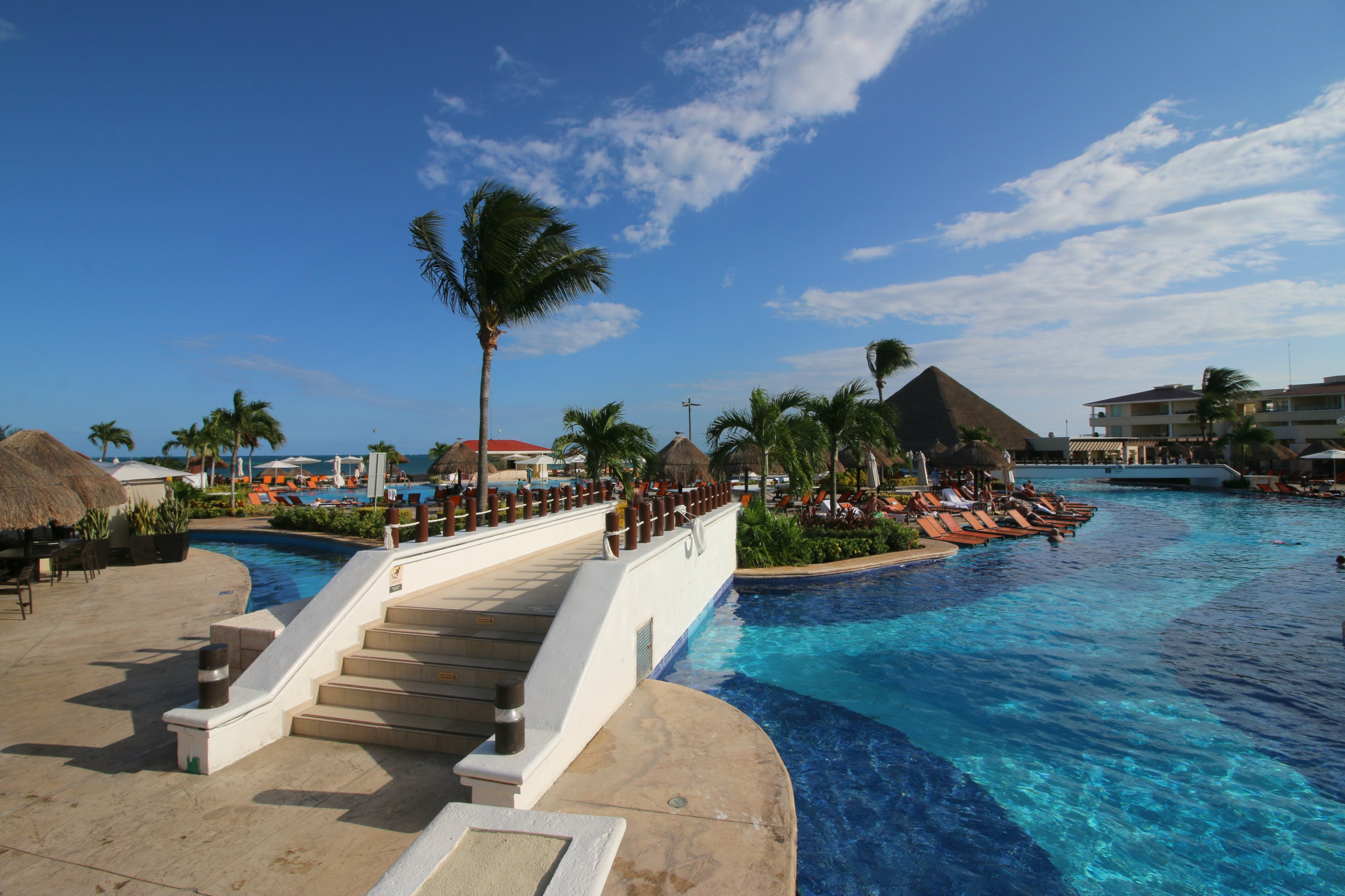 kid-pools-moon-palace-cancun