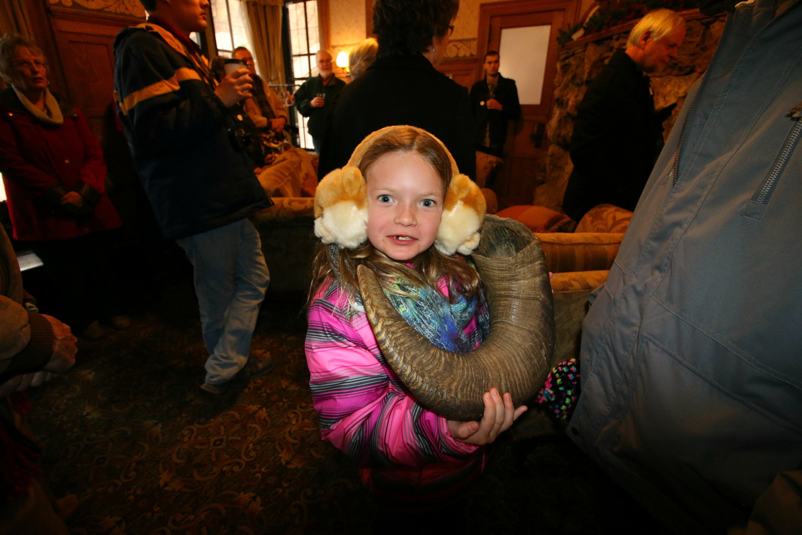 glen-eyrie-castle-tour-for-kids