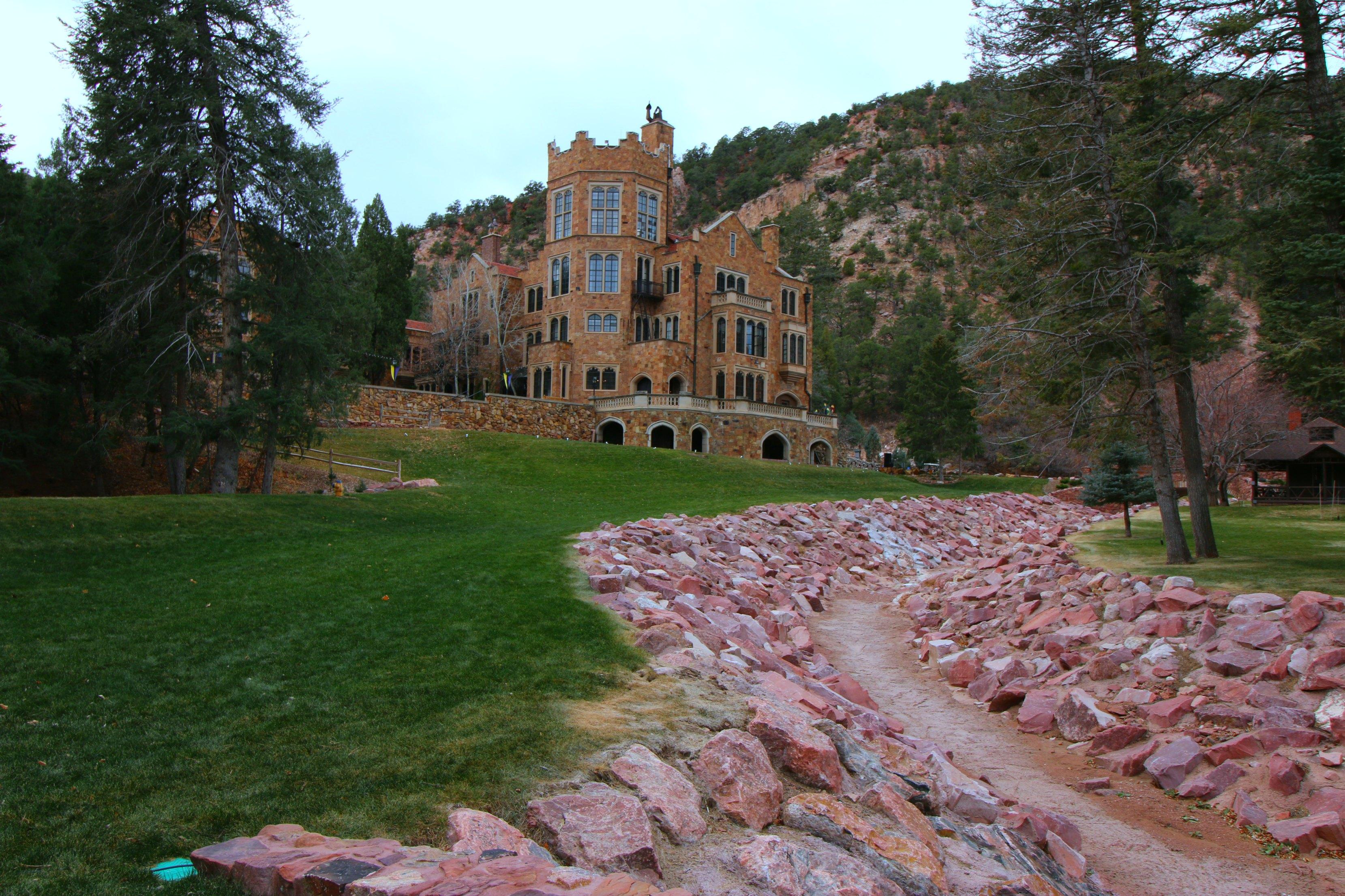 glen-eyrie-castle-tour