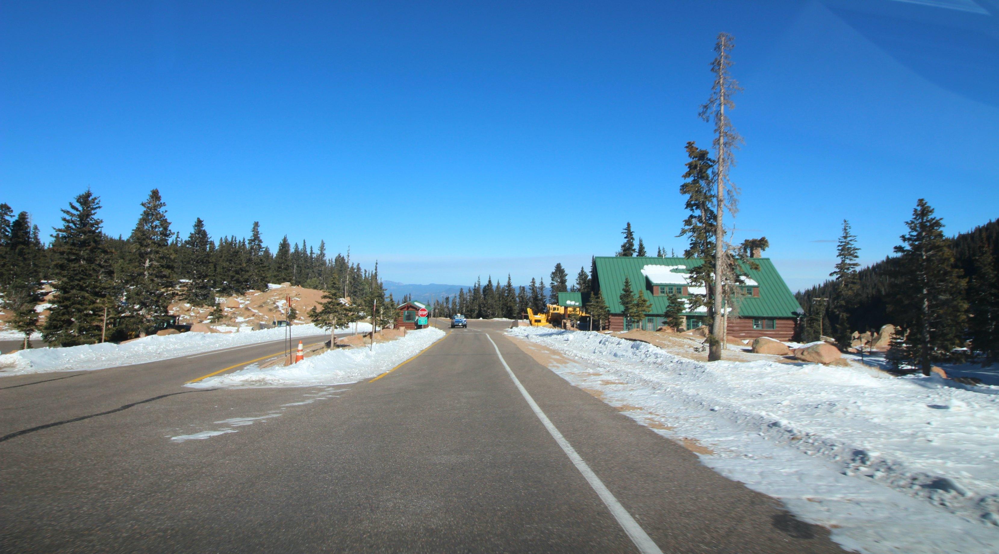 pikes-peak-drive