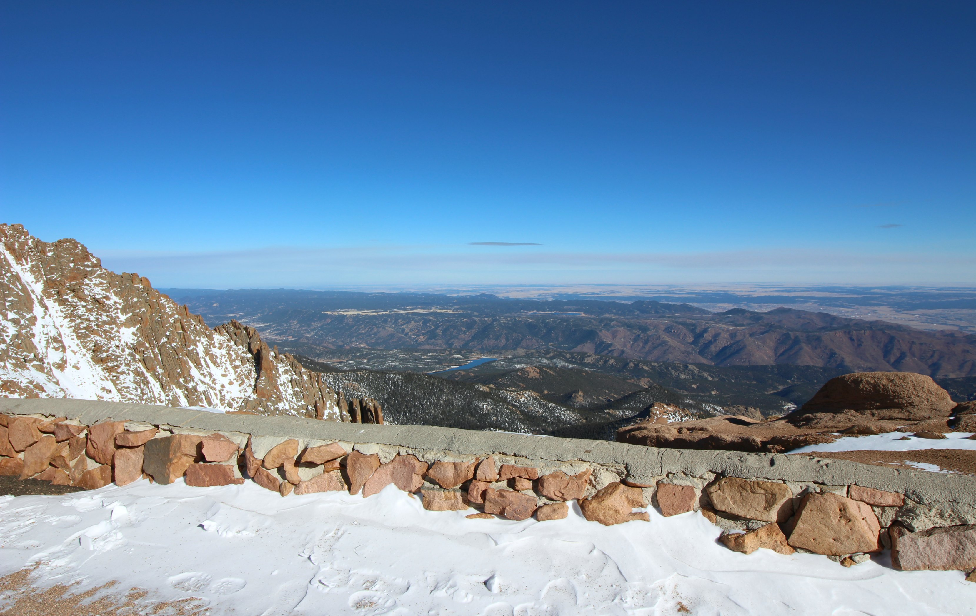 pikes-peak-mountain