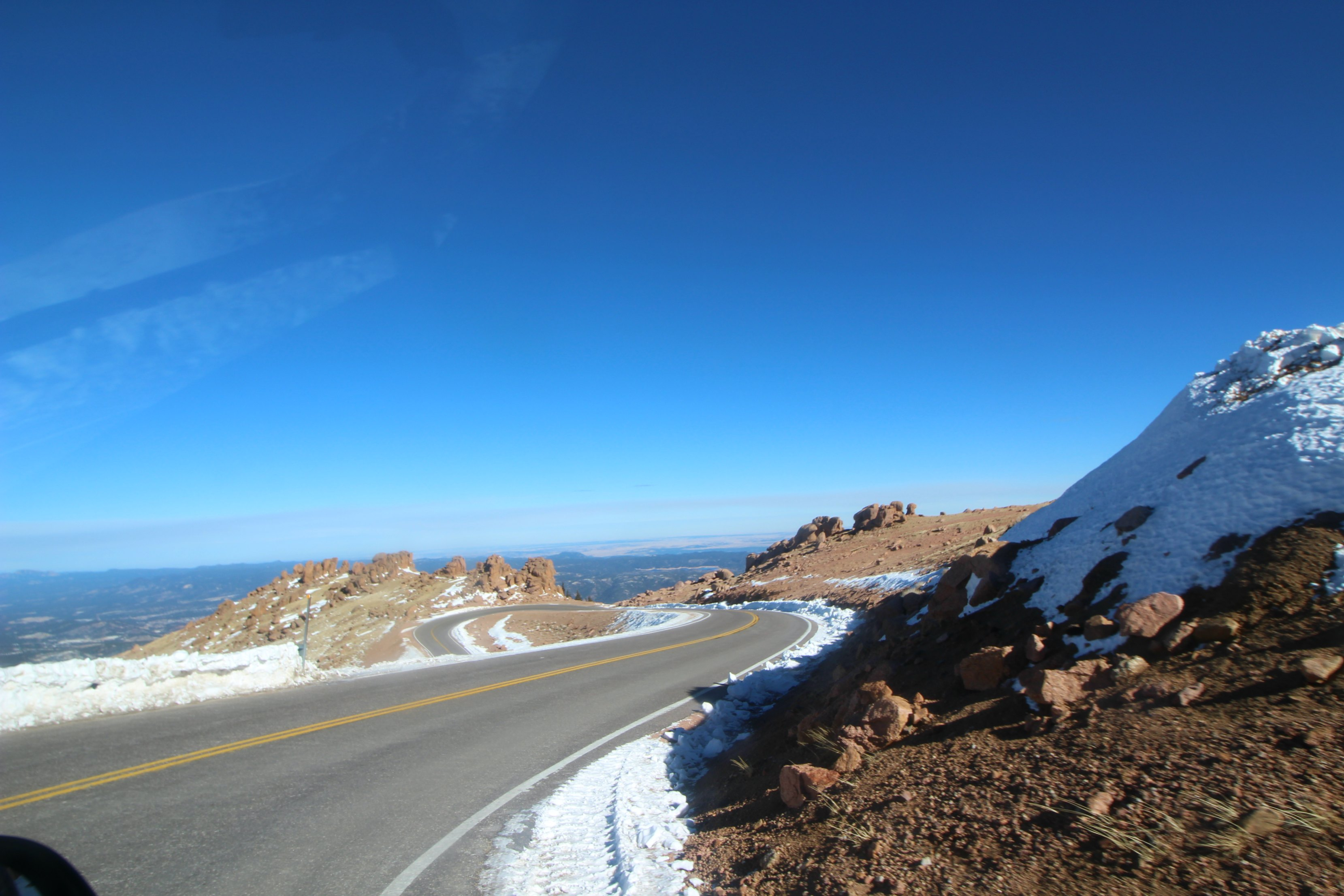 the-drive-up-pikes-peak-mountian