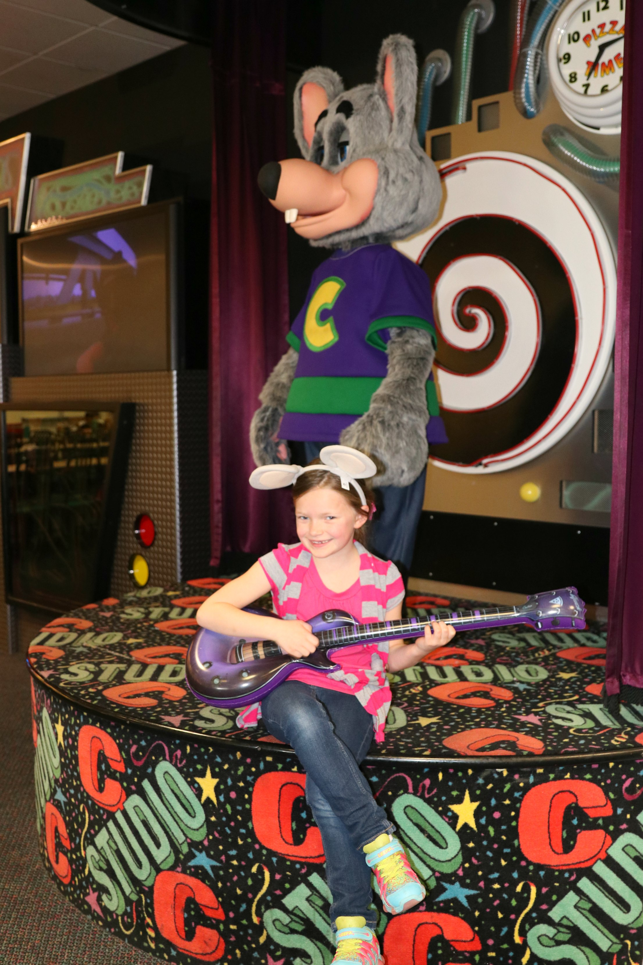 Chuck E. Cheese's new birthday party