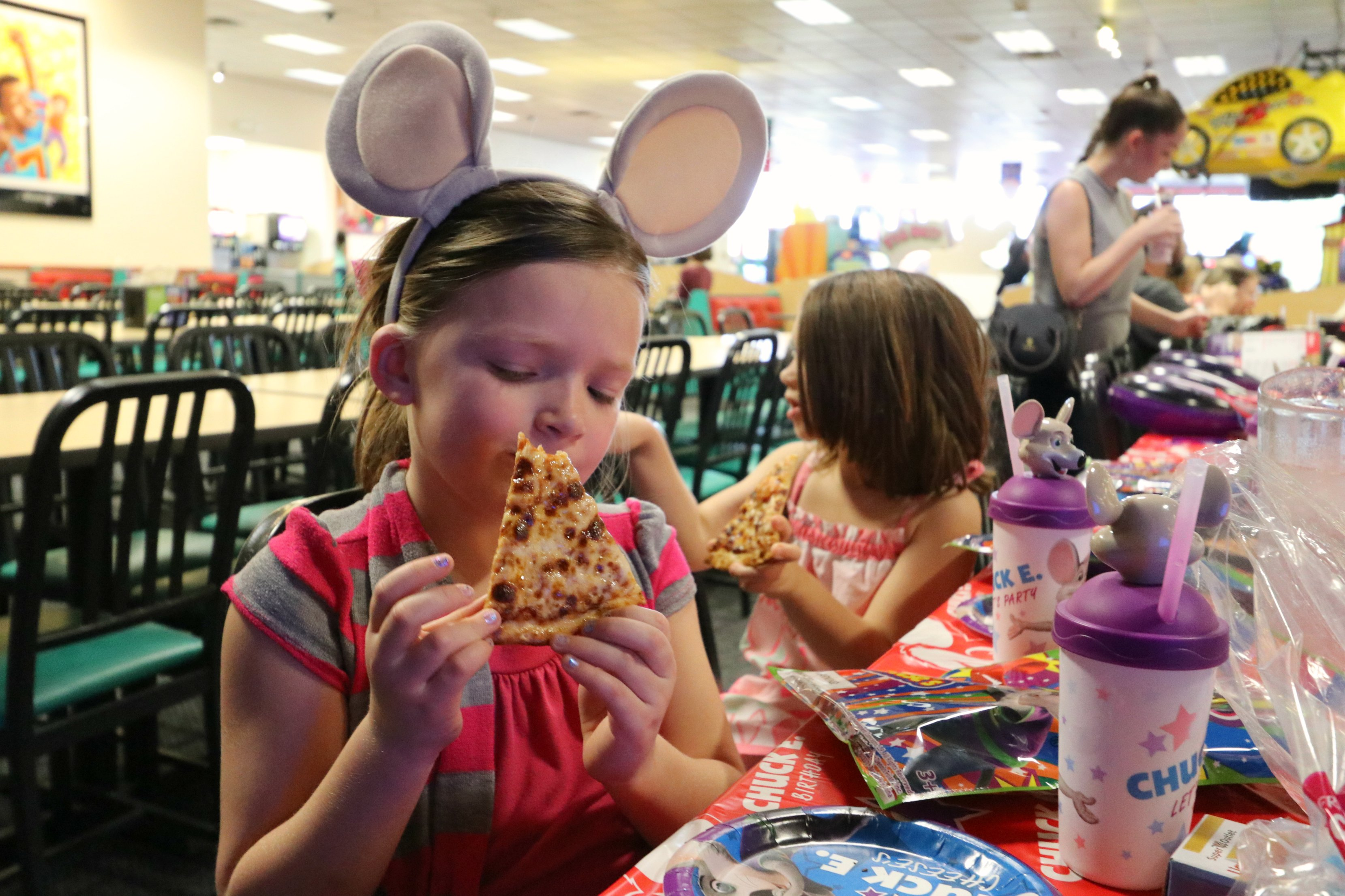 chuck e cheese unlimited play pass