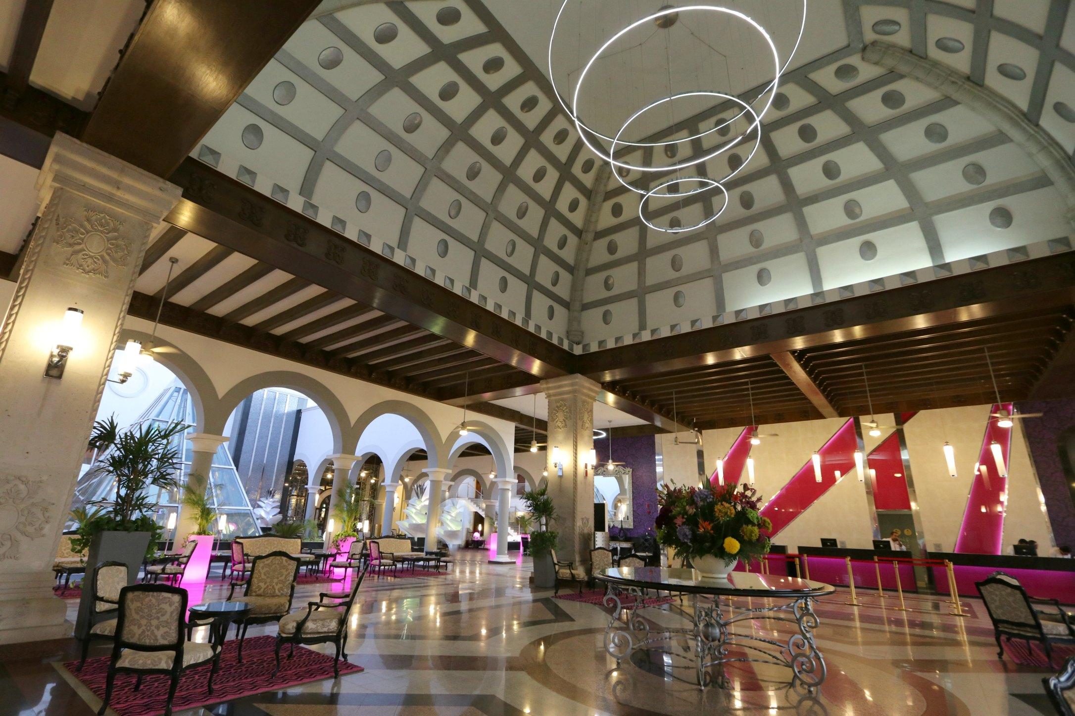 riu palace lobby cabo