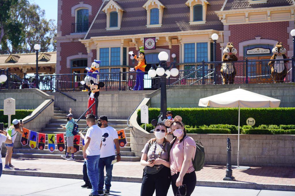 Socially distanced character photos at Disneyland Resort