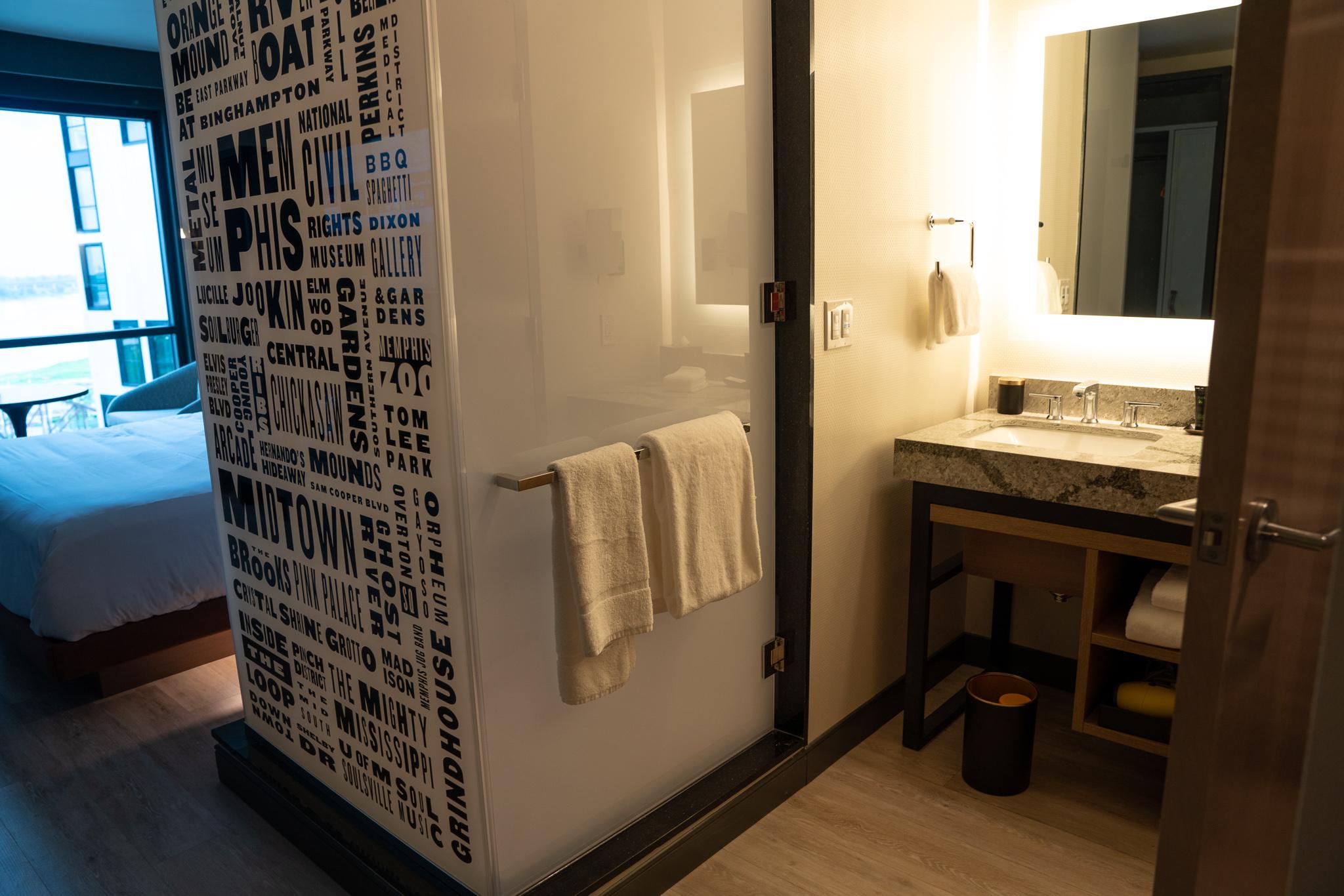 Hyatt Centric Memphis Beale Street bathroom